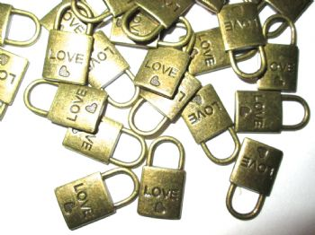 Bronze metal 'LOVE'  Lock Charm/Pendant